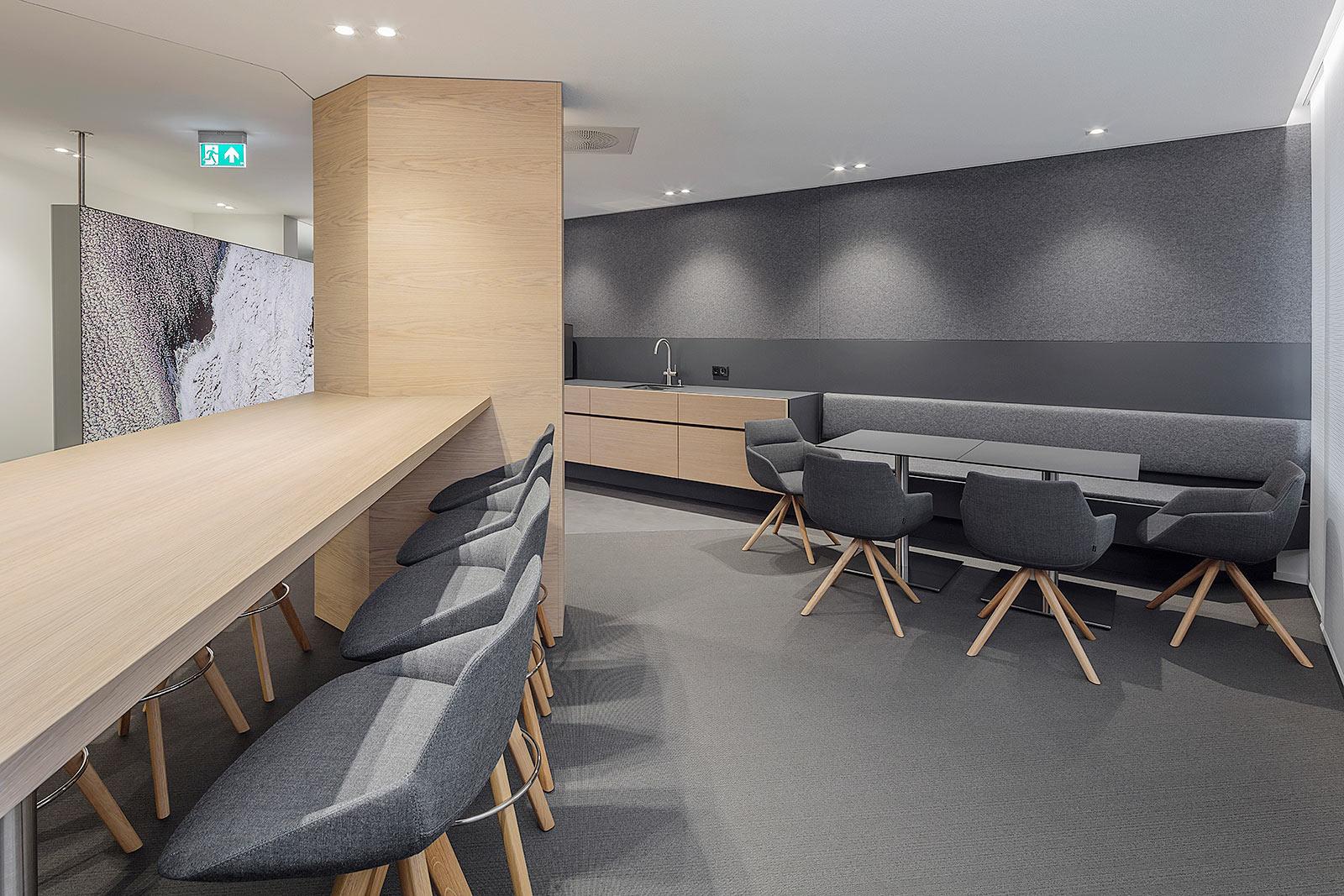 Fotografie der neuen Kaffeeküche in der Firmenzentrale
